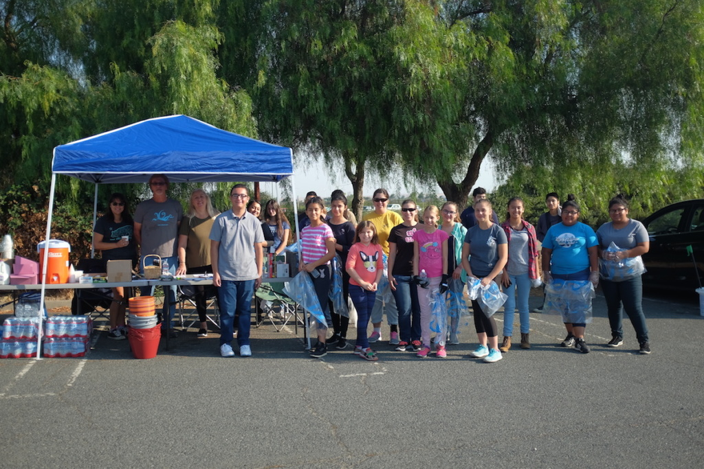 Antioch Volunteers at Cleanup